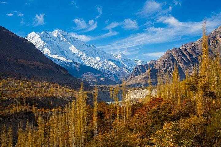Autumn Tour de Hunza Valley Pakistan